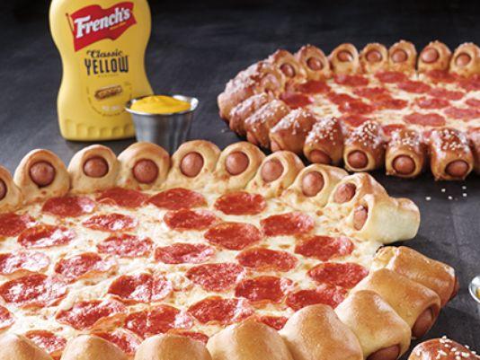 635696280625935012-Pizza-Hut---Hot-Dog-Bites-Pizza---Official-Image---U.S.