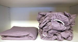How-To-Fold-A-Fitted-Sheet